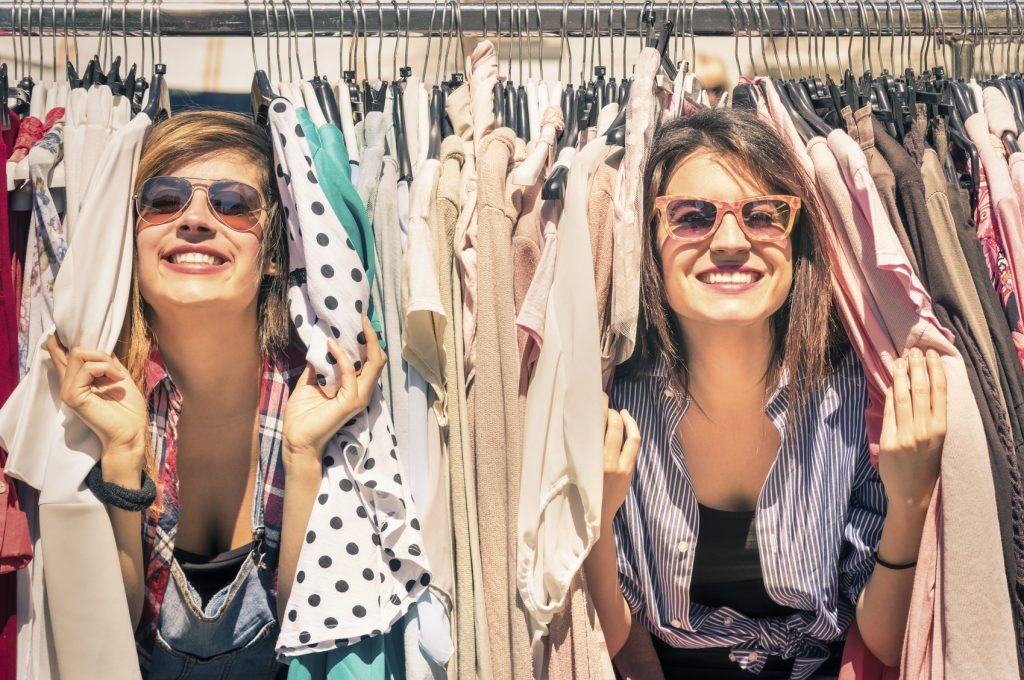 5 Simple Ways to Make Money By Going to Yard Sales